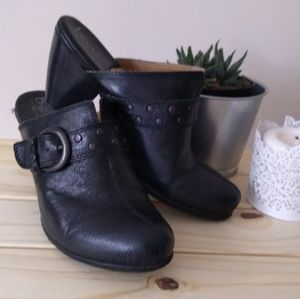 Euc boc slip on booties- black leather with buckle